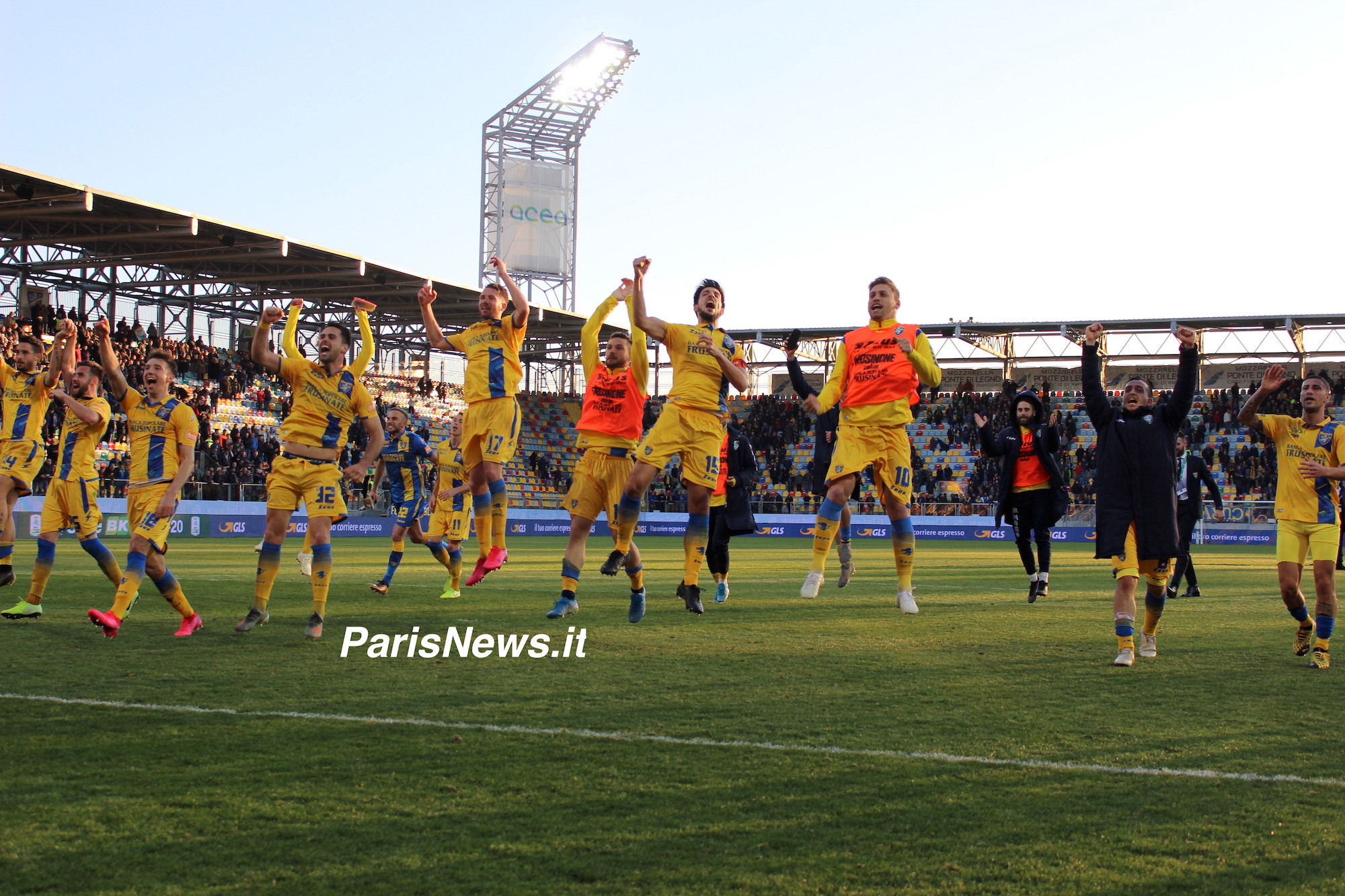 Frosinone super: batte il Pordenone e vola in finale