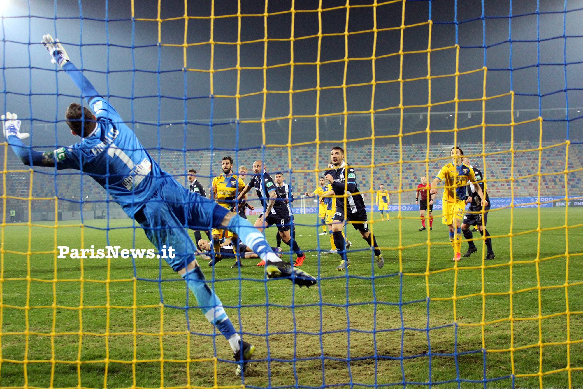 Frosinone - Pescara 0-0. Vince la noia