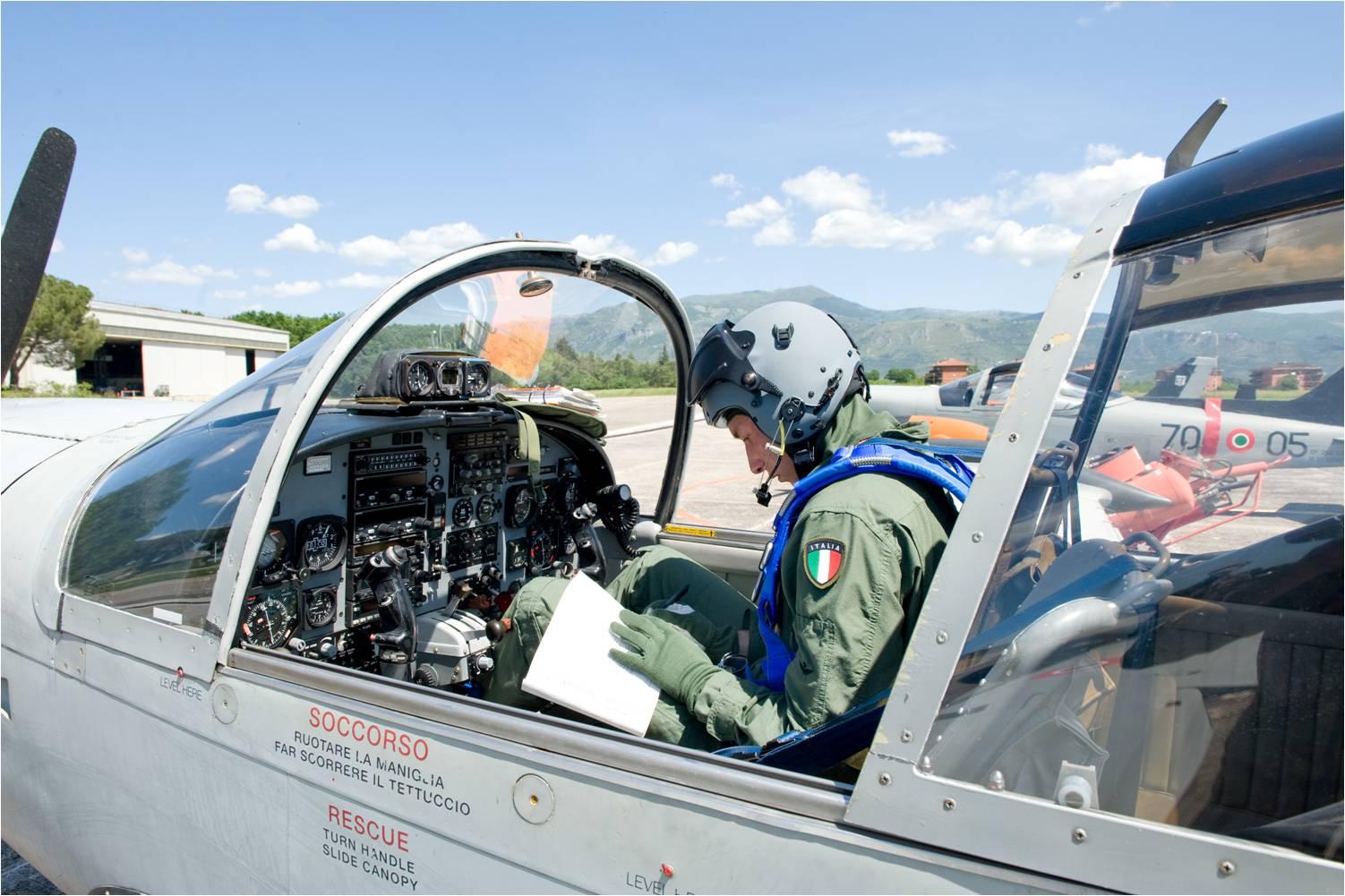 70 Stormo: assegnati i Brevetti di Pilota
