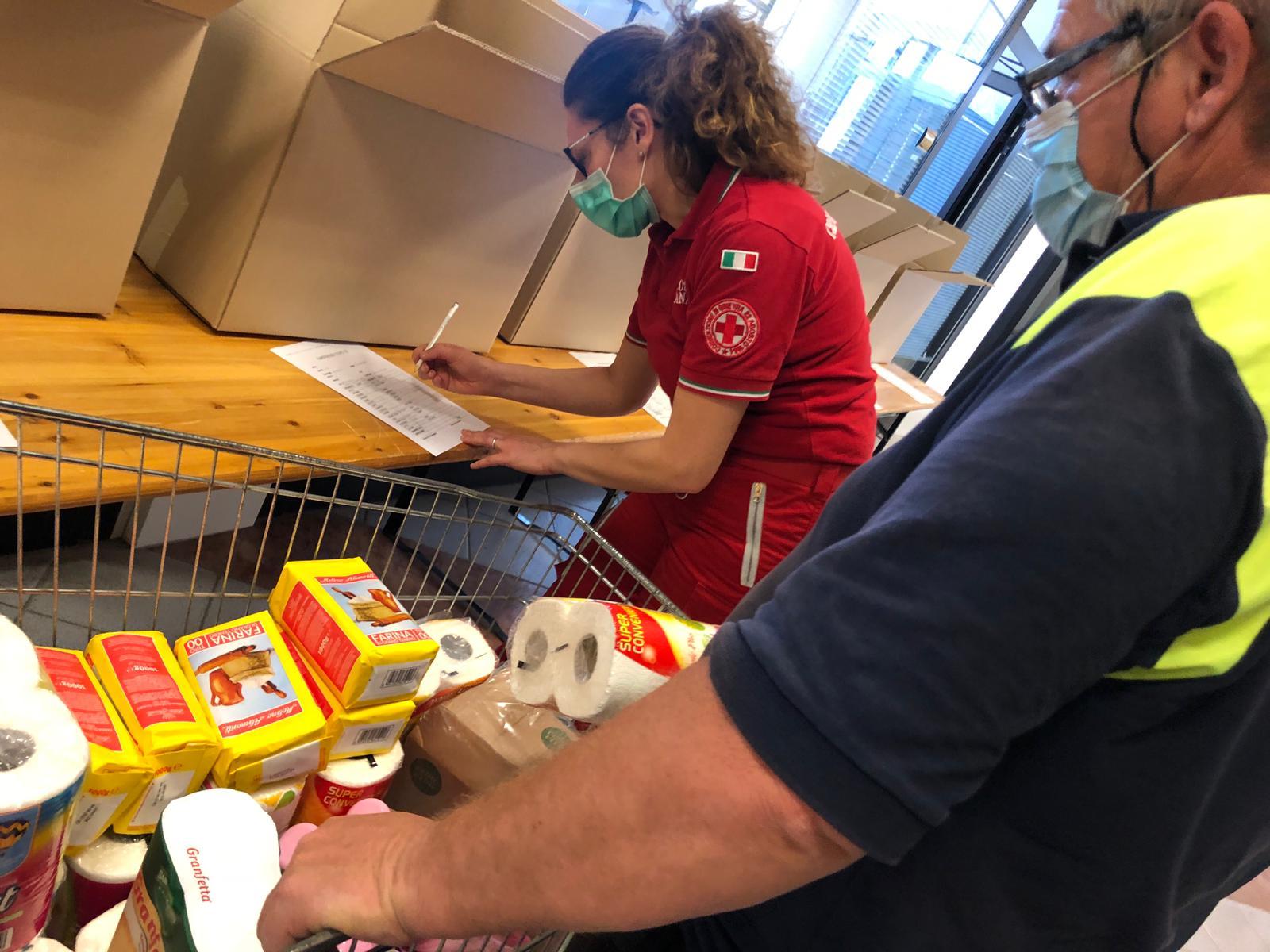 Latina, attivato il centro raccolta e distribuzione alimentare
